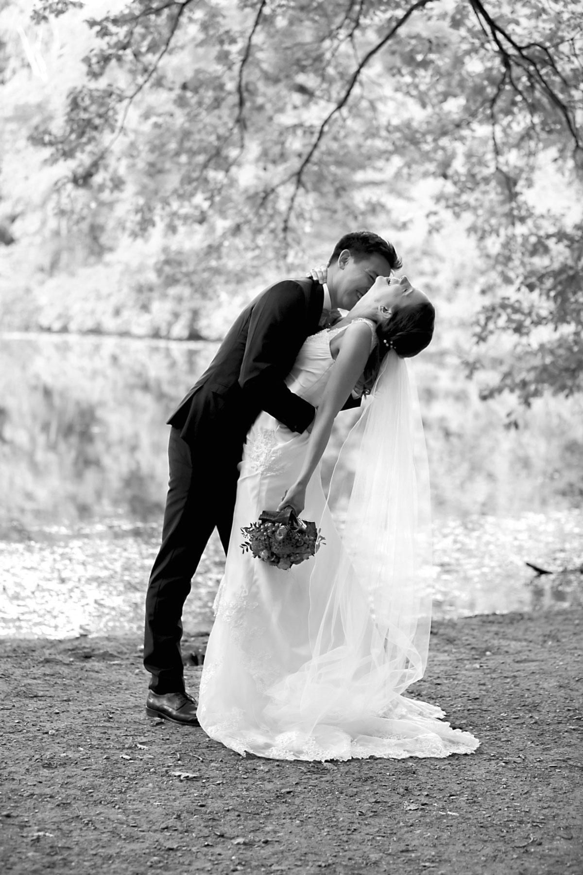 Hochzeitsbild am See